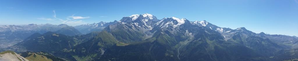 Vue sur le massif du Mont Blanc depuis le Mont Joly